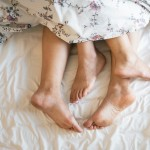 adults-barefoot-bed-1246960